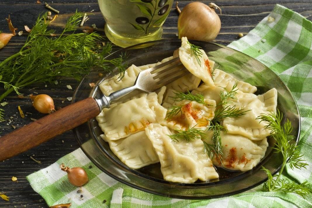 Равиоли с сырной начинкой. с чем едят и как подают
