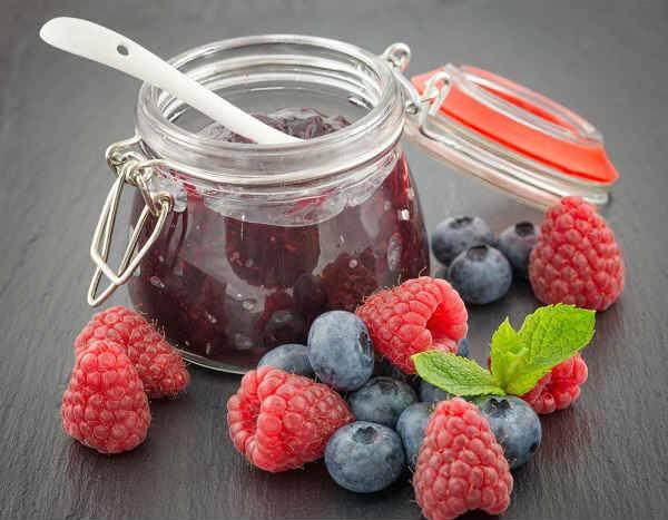 Протертая черника с сахаром как правильно приготовить. способы заготовки черники: что можно сделать из полезных ягод на зиму. общие принципы приготовления