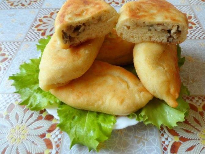 Жареные пирожки с картофелем и грибами
