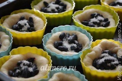 Несладкие булочки из дрожжевого теста - 10 пошаговых фото в рецепте