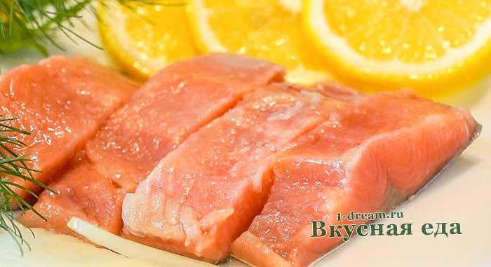 Как засолить красную рыбу в домашних условиях - проверенный рецепт