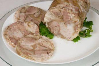 Пирожки с курицей и вареными яйцами — удачный и очень простой рецепт