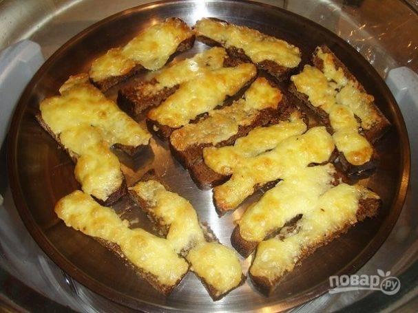 Как сделать сухарики в духовке: простые, с чесноком, сладкие