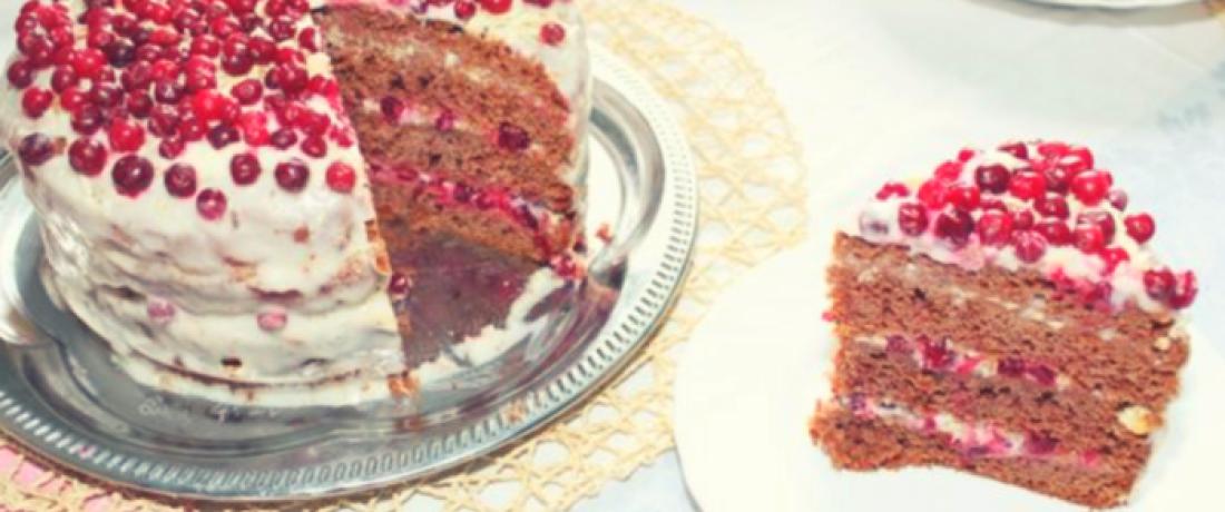 """Торт """"милка"""" с брусничным соусом"""