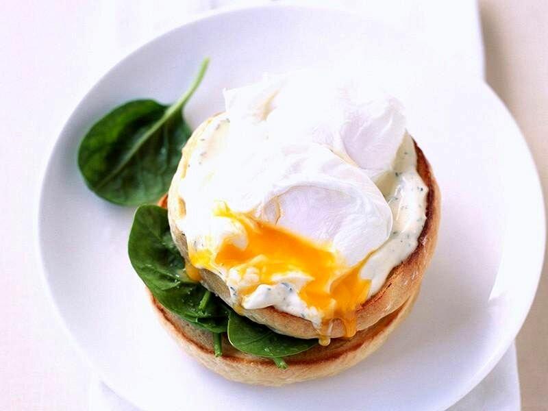 Теперь часто завтракаем яйцами пашот: знакомый повар показал, как готовить