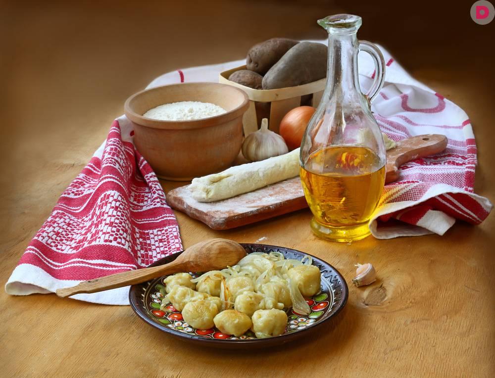 Вареники с картошкой и грибами – вкусные постные рецепты и с фаршем, салом