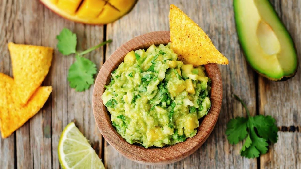Вкуснейшая закуска из авокадо - классический гуакамоле