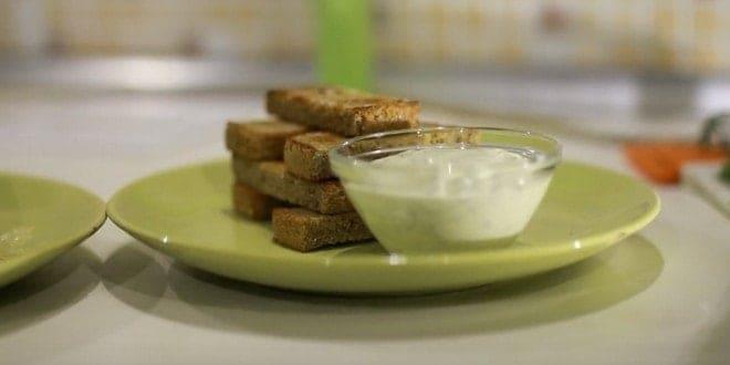 Гренки из белого хлеба (с яйцом, сладкие): рецепты с фото