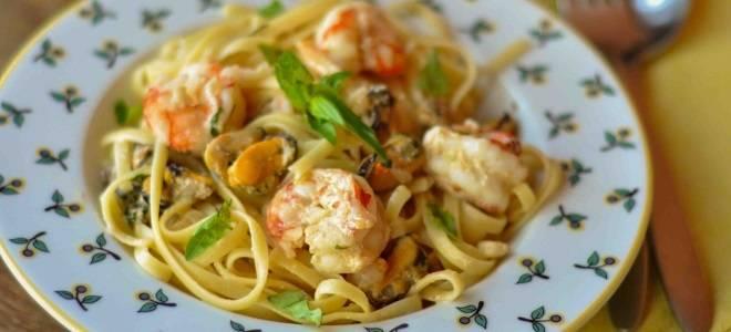 Паста с креветками в сливочном соусе: рецепты блюд с морской душой