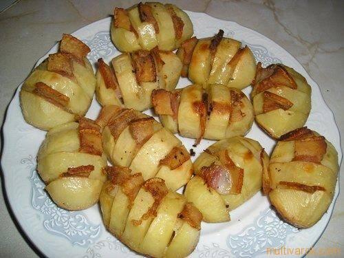 Картошка-гармошка с салом в духовке. пошаговый рецепт с фото