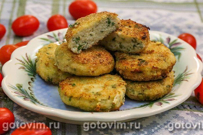 Картофельные зразы с фаршем и зеленым горошком