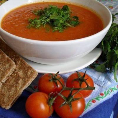 Итальянский томатный суп с тортеллини