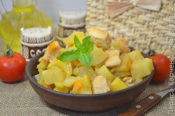 Овощное рагу с картофелем, кабачками и капустой - 13 пошаговых фото в рецепте