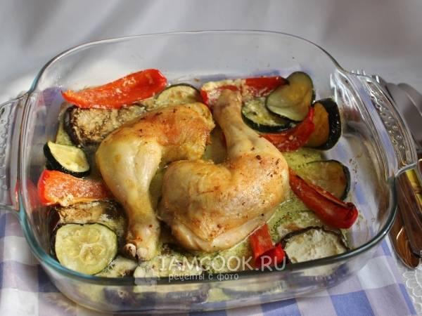 Куриные ножки, запечённые с овощами в духовке