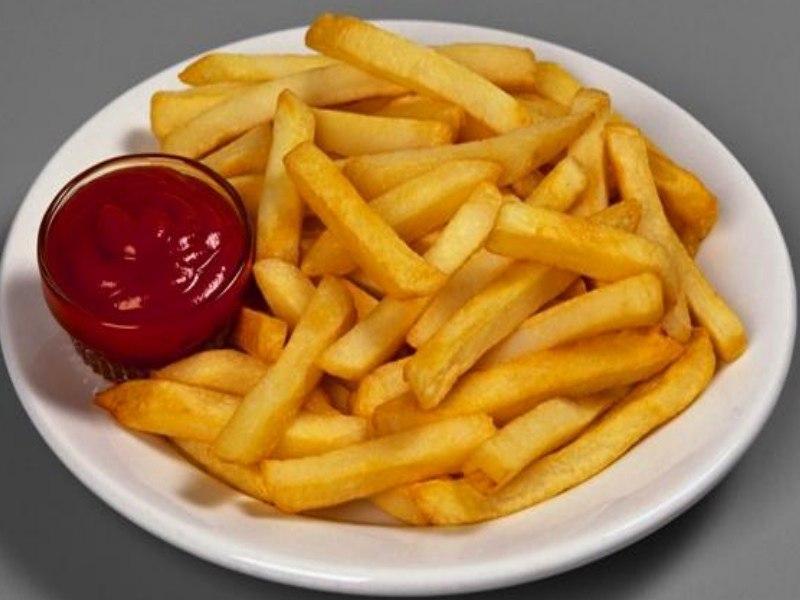 Картофель фри в духовке: 3 рецепта с фото (с маслом и без)