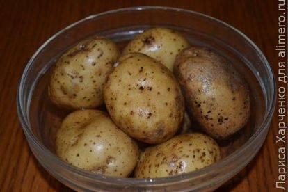 Картофель, запеченный со свиной грудинкой