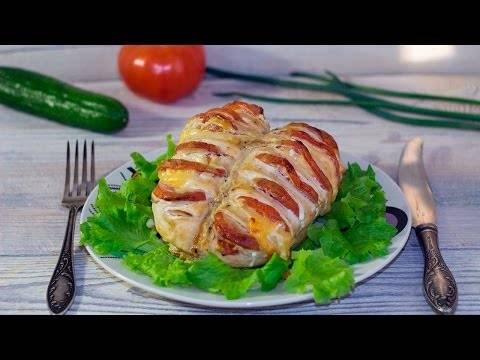 Запеченная куриная грудка с помидорами и сыром — настоящее объеденье