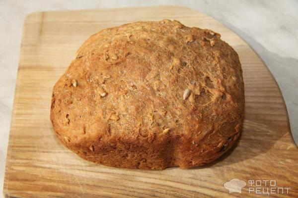 Цельнозерновой хлеб с отрубями и семечками