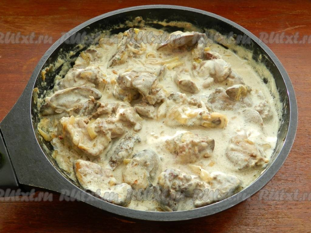 Печень куриная в сметане: рецепты приготовления, полезные советы