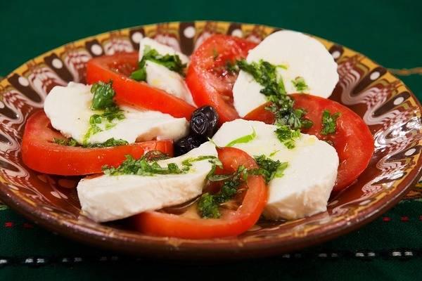 Сезонное меню: холодные супы в ресторанах петербурга — the village