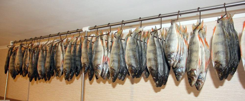 Острая вяленая рыба с перцем — отличная закуска к пиву и не только