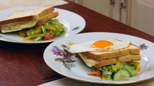 Крок месье и крок мадам: сэндвичи в духовке
