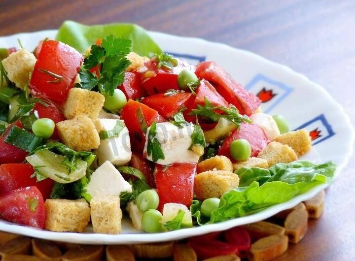 Салат с брынзой и огурцами - 6 пошаговых фото в рецепте