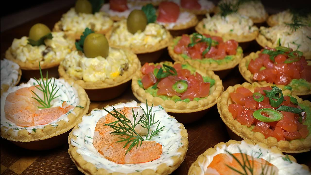 Карамелизированный лук: закуска на все случаи жизни