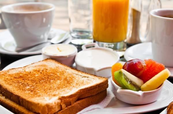 Что едят во франции на завтрак.