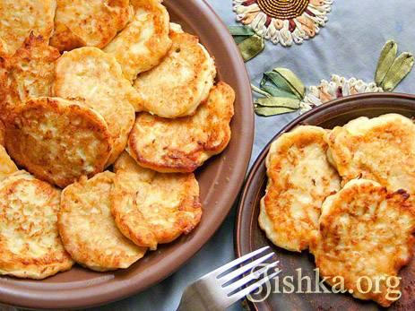 Лепешки из кабачков с сыром и чесноком