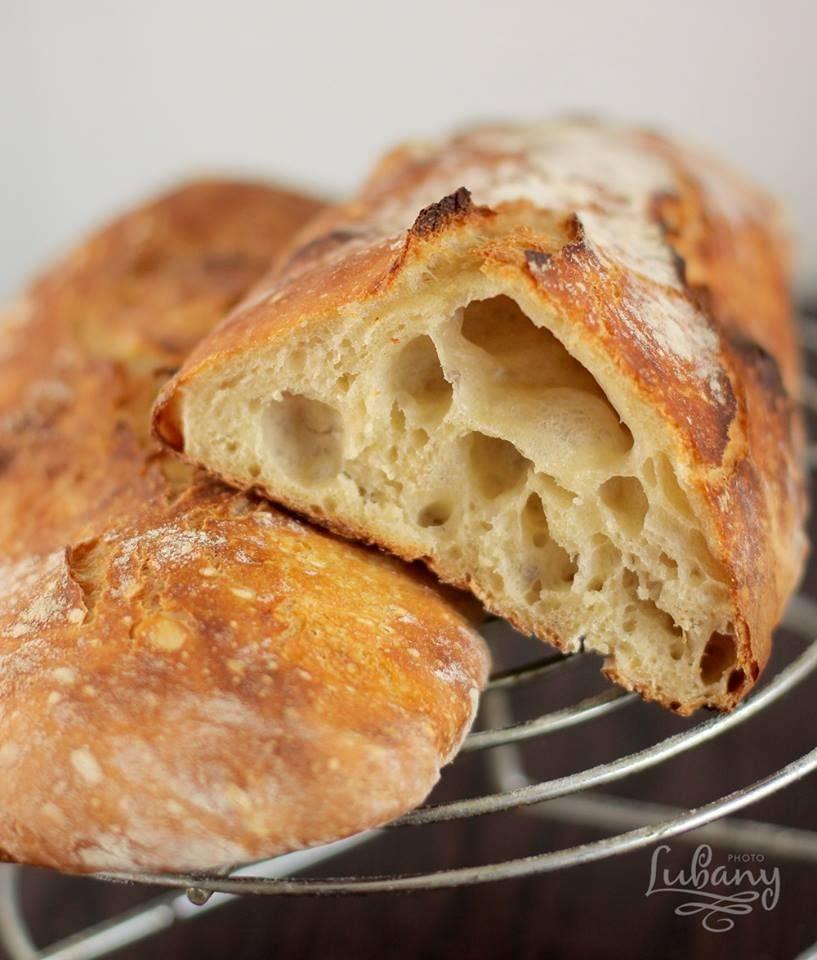 Чиабатта - итальянский хрустящий хлеб