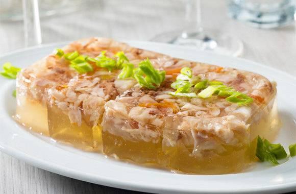 Холодец из свиных ножек с курицей, говядиной, индейкой - рецепты приготовления с желатином и в мультиварке