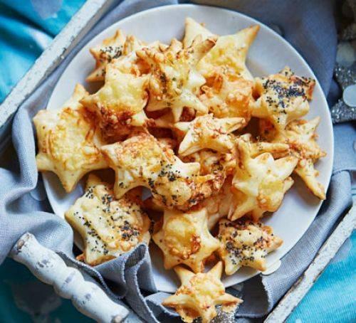 Изумительные сырные звёздочки: закуски вкуснее не придумаешь
