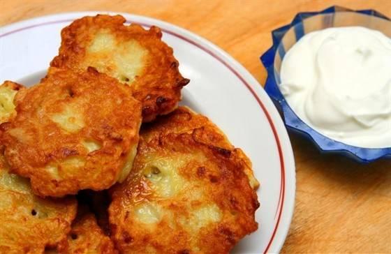 Грибной соус с картофельными котлетами