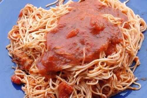 Итальянская паста с пряным соусом