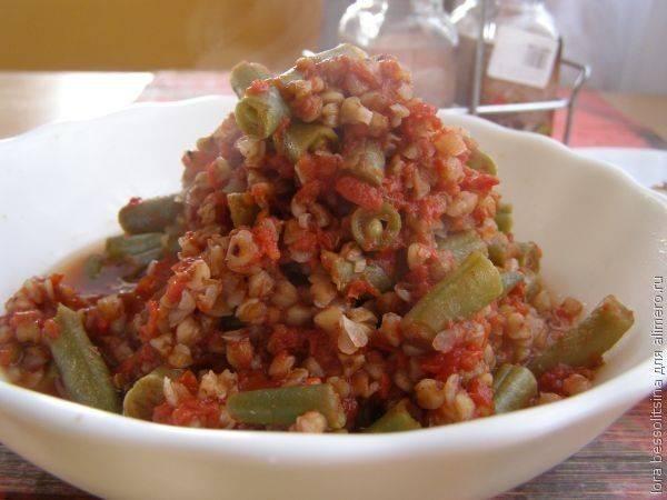 Каша гречневая со стручковой фасолью в томатном соке