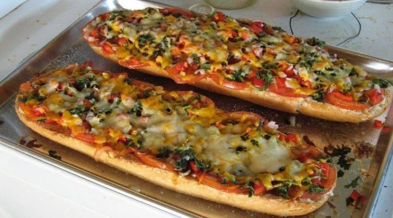 Быстрая хлебная пицца по-французски