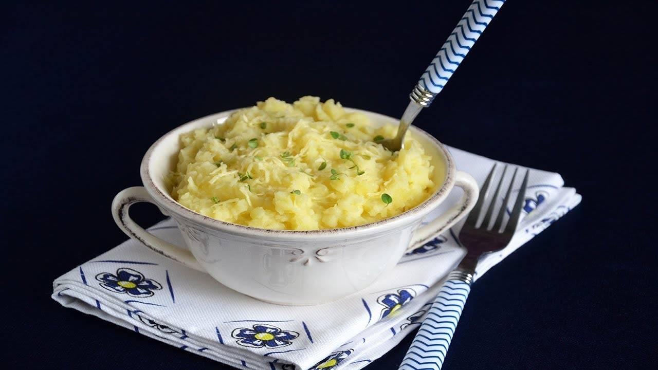 Картофельное пюре с твердым сыром и чесноком