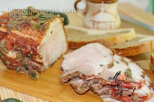 Рулет из свиной брюшины вареный в луковой шелухе - рецепт с фотографиями - patee. рецепты