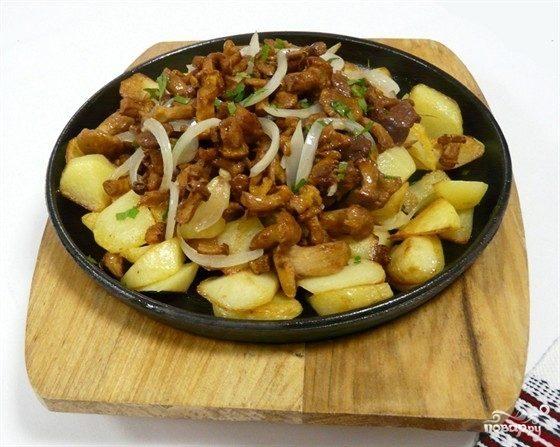 Картофель по-деревенски, запечённый с опятами