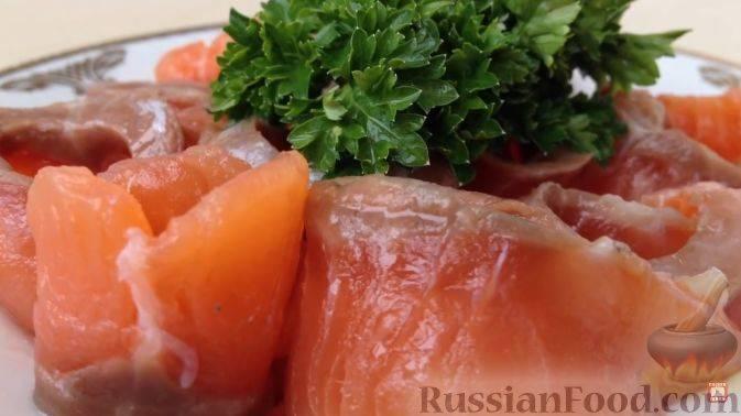 Как легко и быстро засолить красную рыбу