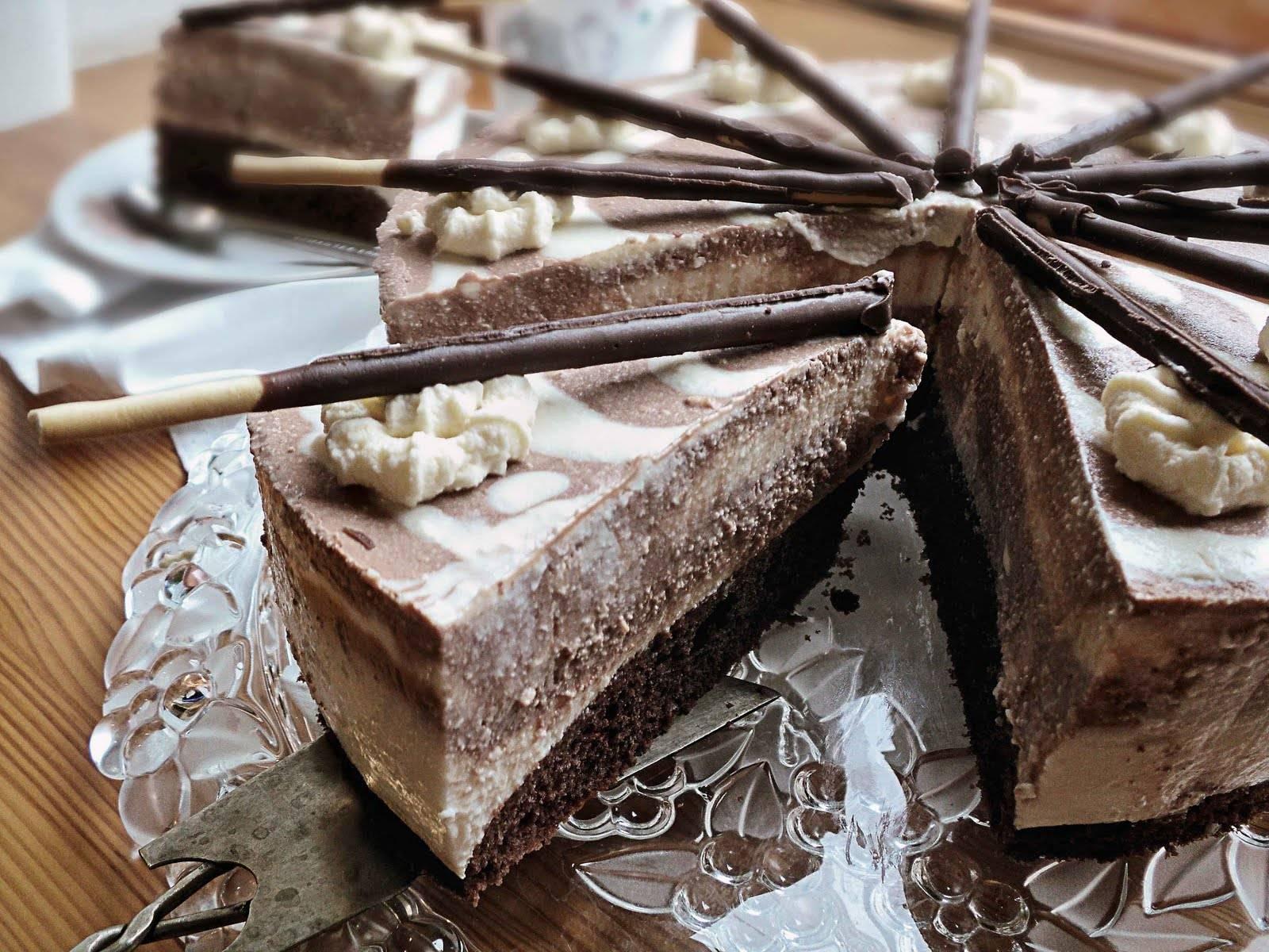 Бисквитные пирожные с кофейным кремом