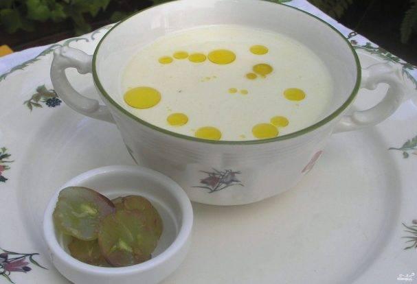 Ахобланко (холодный суп с миндалем) - кулинарный рецепт. миллион меню