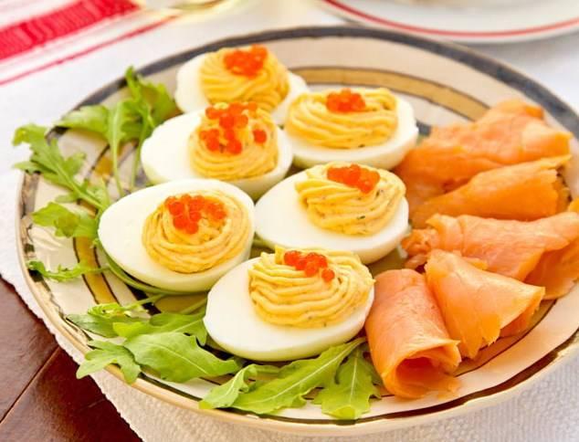 Рецепты на новый год: фаршированные яйца