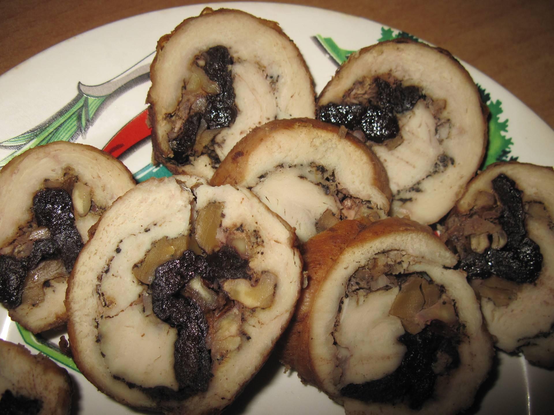 Рулетики с черносливом - как правильно и вкусно приготовить в домашних условиях по пошаговым рецептам с фото