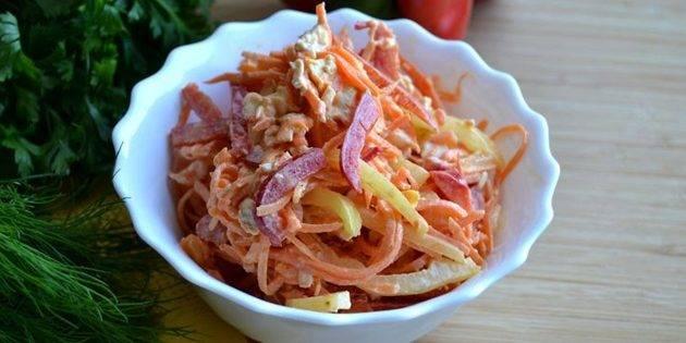 Салат с корейской морковью и курицей и фасолью