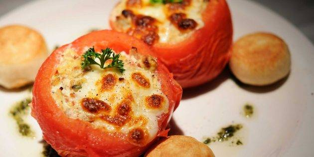 Помидоры, фаршированные сыром