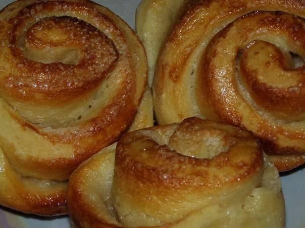 Булочки-розочки с сырной начинкой в мультиварке
