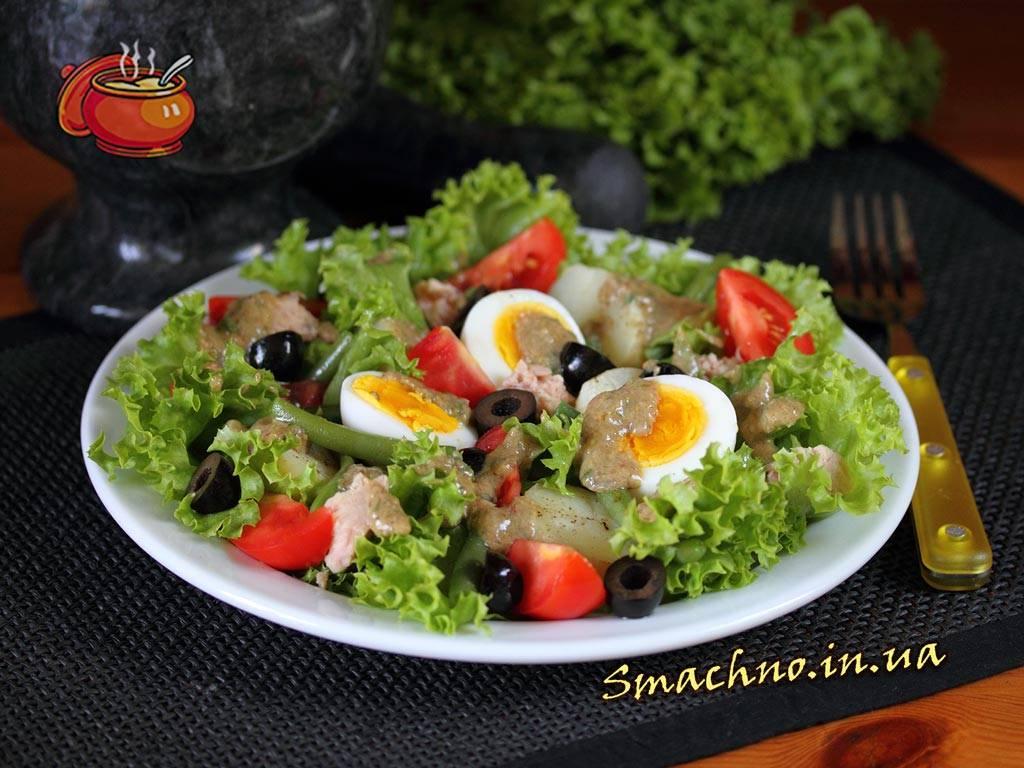 Классический рецепт салата с тунцом и стручковой фасолью «нисуаз»