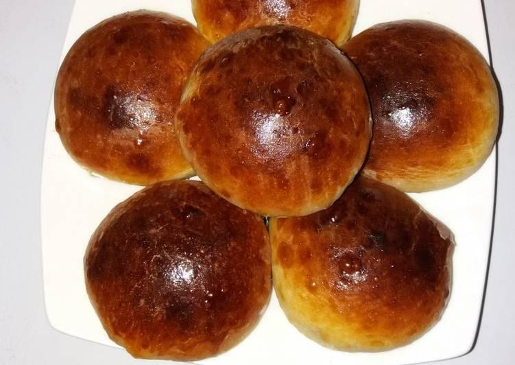 Ванильные булочки с клубничным вареньем